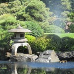 japanese-fountain-in-small-lake